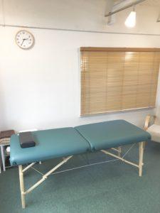 半個室のベッド